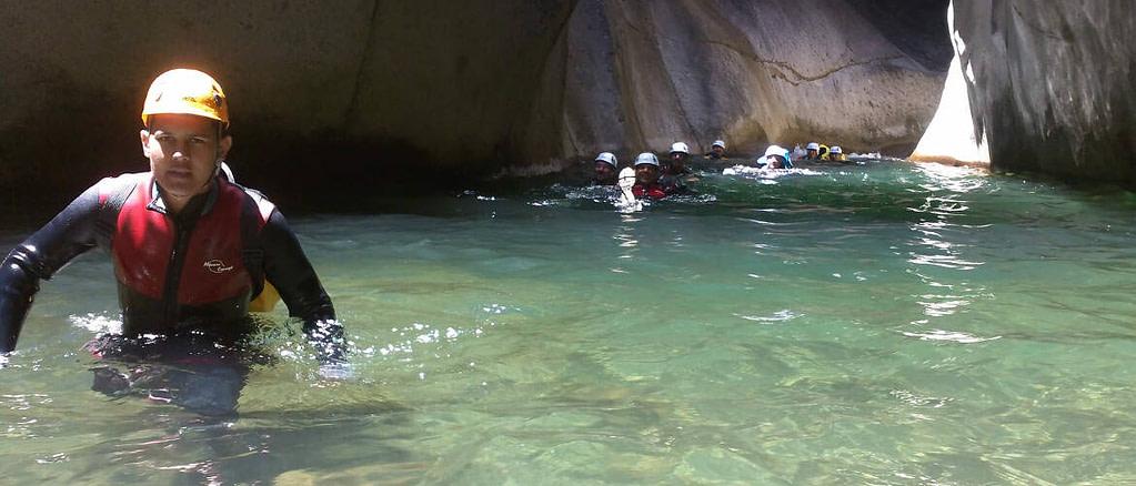 Barranquismo en el barranco de Trou Blanc en la isla Réunion