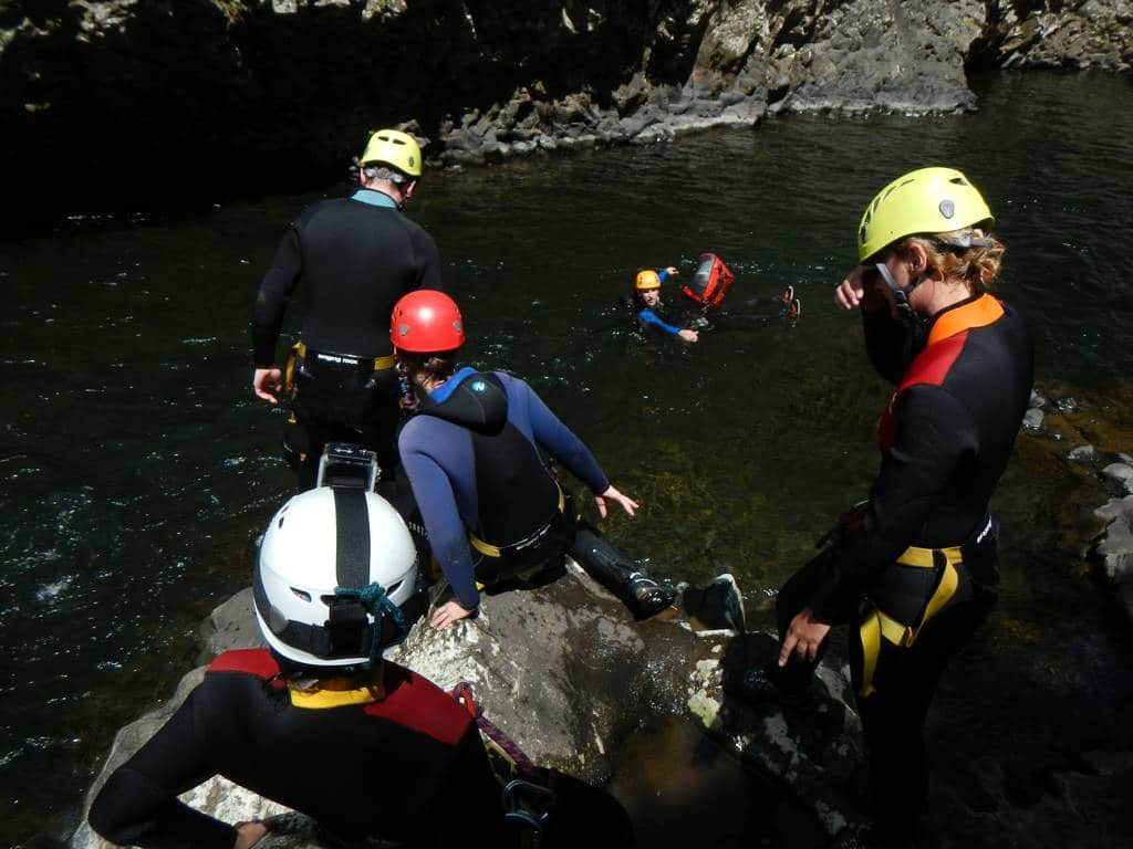 riviere-roches-gorge-walking-canyoning-reunion-bassin-la-paix