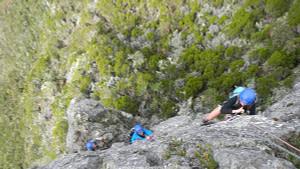 climbing-piton-maido-reunion-island-974-mafate