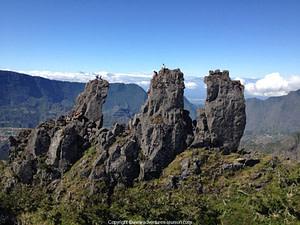 Escalada y senderismo en los 3 Salazes con un guia de alta muntania de ADVENTURES REUNION, isla de la Reunion