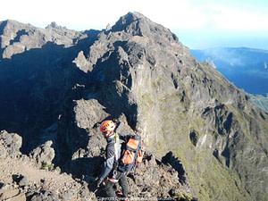 Arista Piton des Neiges Gros Morne, alpinismo en la isla Réunion, Cilaos.